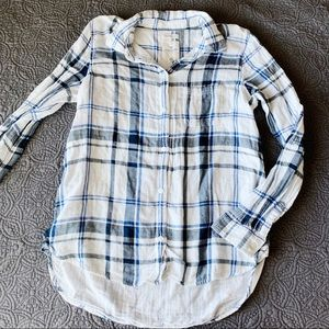 AE White, Blue, Gray Plaid Button Down, Small